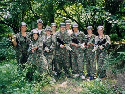 Outdoor laser tag with accomodation in Cofrentes