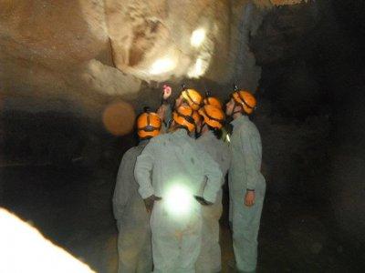Caving underground path groups Cantabria