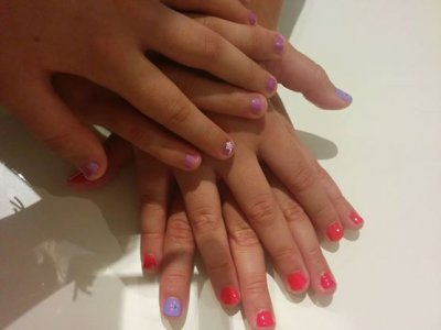 Manicure for mothers&daughters workshop