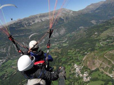 Medium difficulty tandem paragliding Castejón Sos