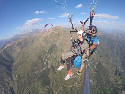 Acrobatic paragliding premium flight Liri 45 min