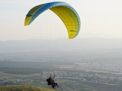 Paragliding flights offer in Granada for Couples