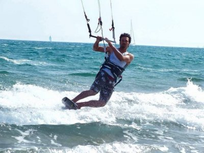 Initiation Kitesurf Castelldefels in Water 3h