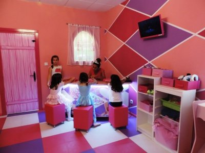 Children's Party in a Beauty Salon, Murcia