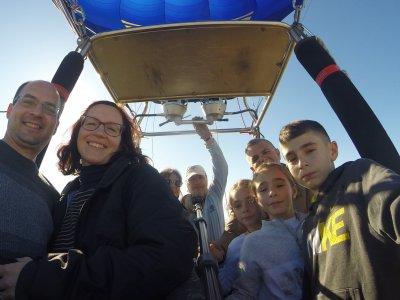 Hot-air balloon journey in Murcia for children