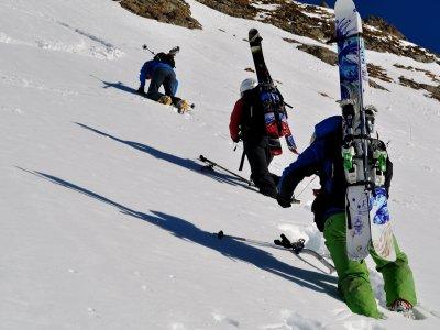 Mountain ski route in Jacetania 1 day