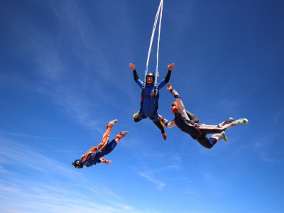 Course of Freefall and Skydiving in Madrid