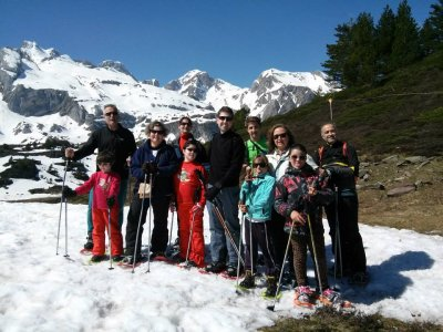 Snowshoes tour 2 hours in Canfranc