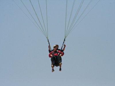 Valentine's day: paragliding + video near Madrid
