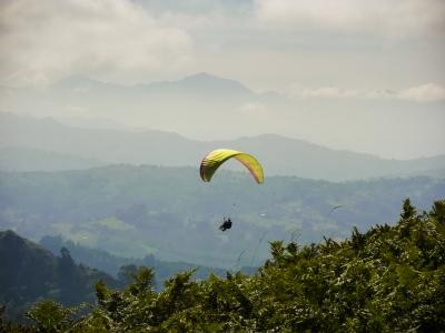 Paragliding in La Senda del Oso, Asturias + Video