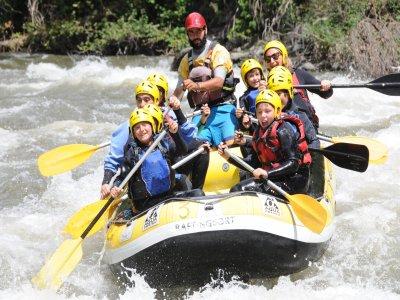 Rafting descent for kids in Noguera Pallaresa