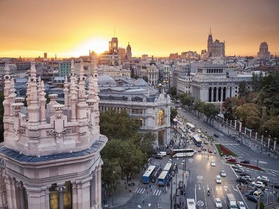 Guided visit to historical terraces+drink, Madrid