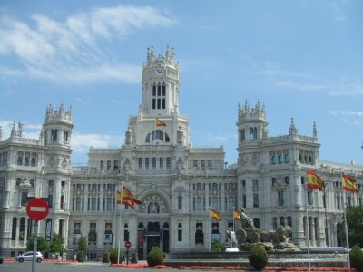2h guided tour: Madrid by Antonio Palacios