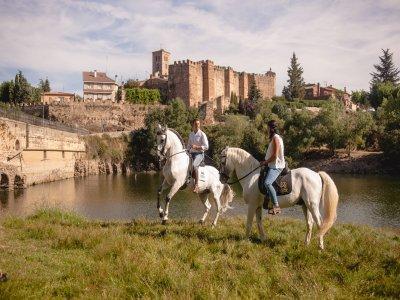 Private horse riding tour in Bitrago