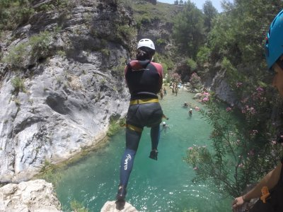 5h canyoning descent in Rio Verde, Granada