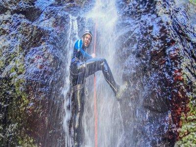 Urian Guías de Montaña y Barrancos Barranquismo