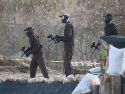 Paintball Game in Munera with 200 Paintballs