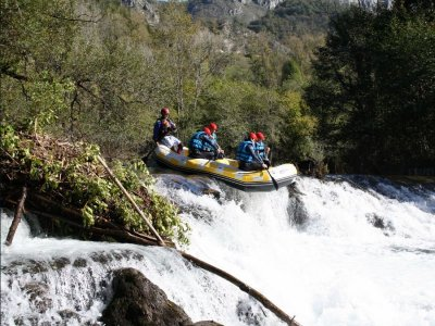 White water rafting in Asturias Cares river 2h