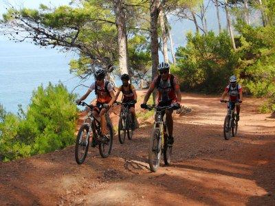 Mountain bike tour and hiking in Sa Carrossa