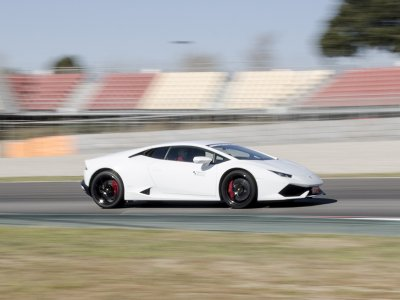 Drive a Lamborghini Huracan in Montemeló 1 lap
