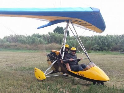 Ultralight aircraft flight in Palafolls, 30min