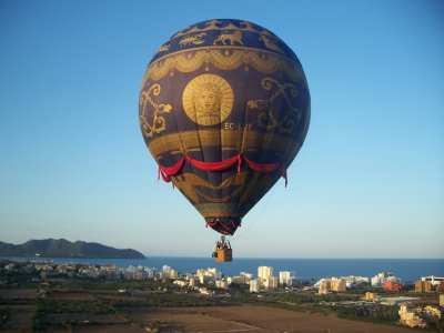 Exclusive and romantic VIP balloon flight for two