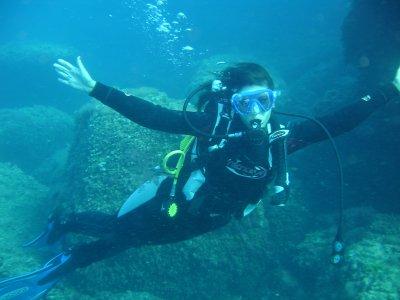 Scuba diving baptism in Mal Pas cove