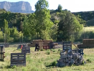 1-hour paintball match in Huesca