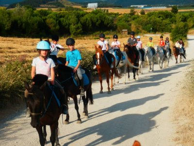 Horse riding and English camp in Añézcar