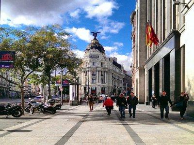 2h mythological city sightseeing in Madrid