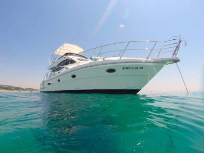 Luxury yatch rental 1 week in Barcelona