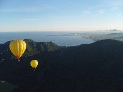 Sunset balloon flight in Mallorca and cava