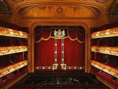 Fins the keys of the Royal Theatre, Aranjuez