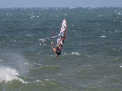 Windsurfing initiation course in Calella 3 hours