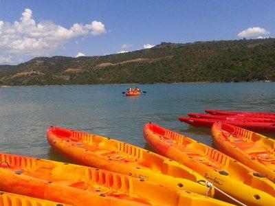 Familiar kayak in Rialb reservoir 1 hour