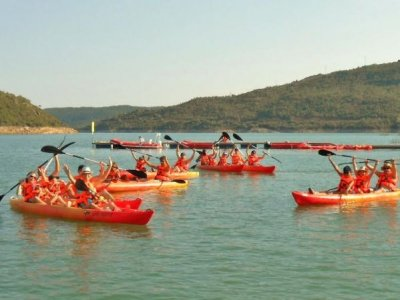 4-hour individual kayak rental in Noguera