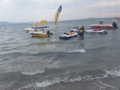 Speedboat w/o Certification in Cálida Coast, 90m
