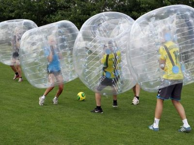 Practice bubble football in Cofrentes