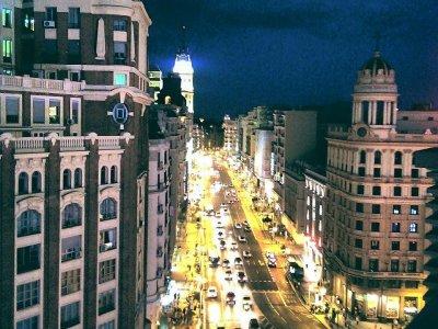2h schools historic city tour in Madrid
