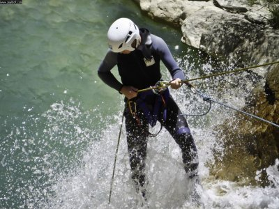 Canyoning in the Pirineo - Level II