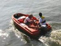 Learn how to powerboat in London.