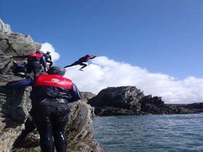 Eryri Mountaineering Coasteering