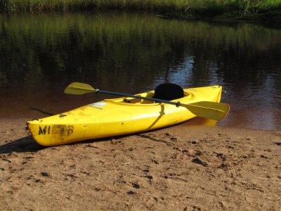 Rent a kayak for 1h in Quesada dam