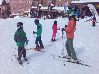 Ski course for kids in Astún, ski pass, material