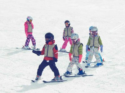 Skiing training for kids. Astún 20 lessons