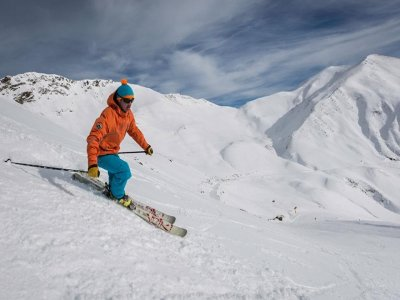 Ski lessons and accommodation in Jaca