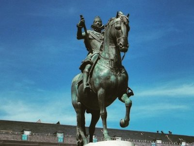 Habsburgs or Imperial Madrid guided city tour