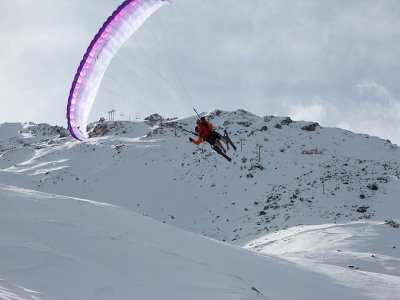 Paragliding + skiing in Pyrenees, winter