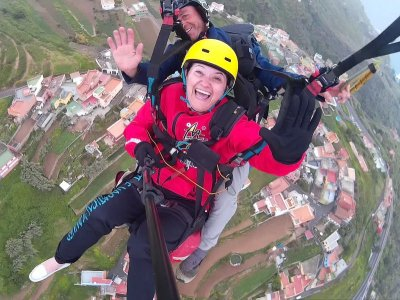 Paragliding from La Corona for residents