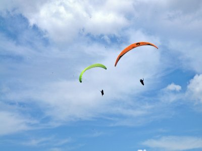 Couple paraglide flight in Algodonales + video